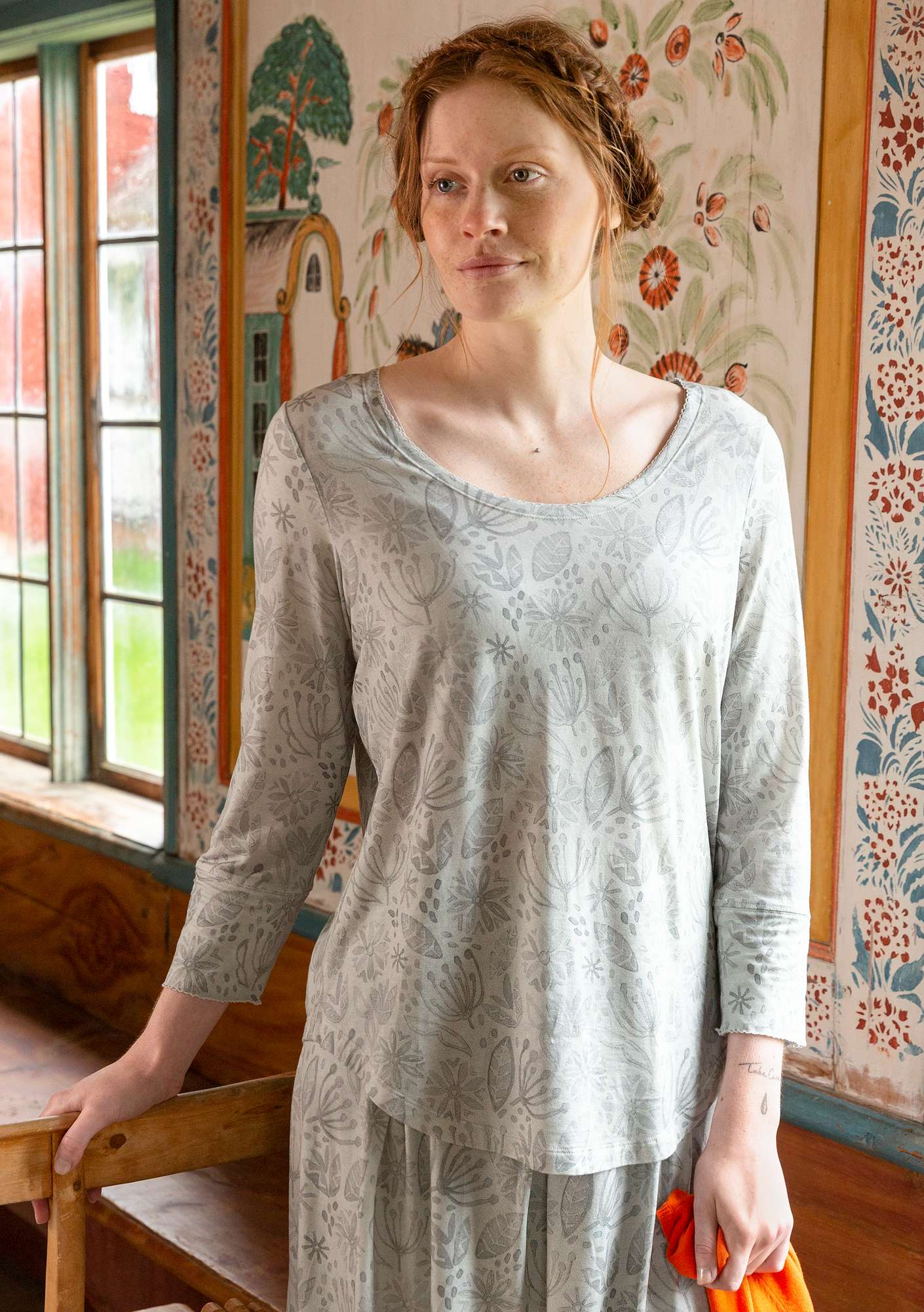 """Aqua"" top in lyocell/elastane light warm grey"