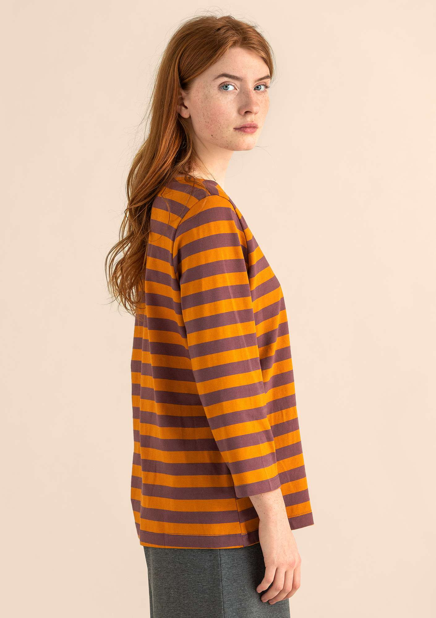 Block-striped top in eco-cotton mallow/mustard