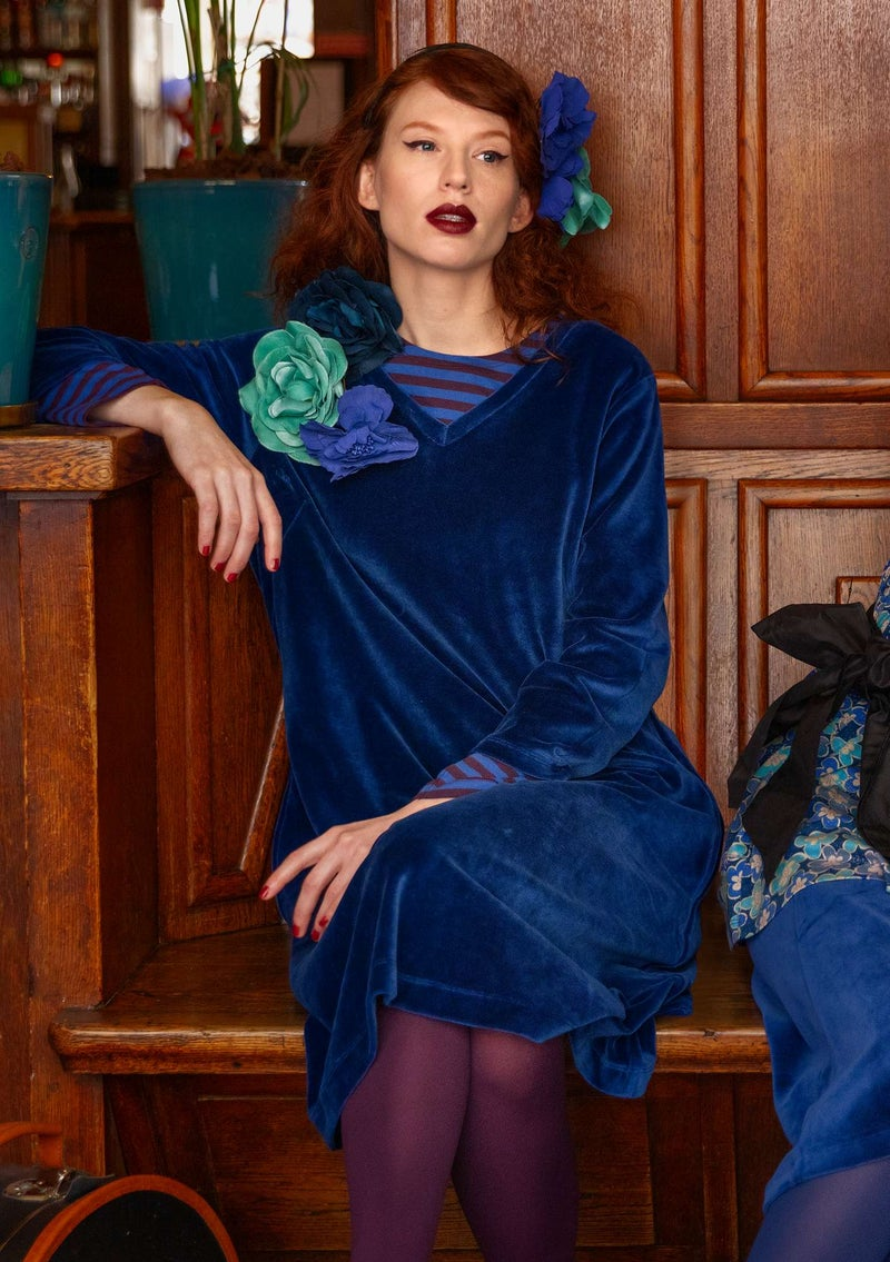 Velour dress in organic cotton/recycled polyester midnight blue
