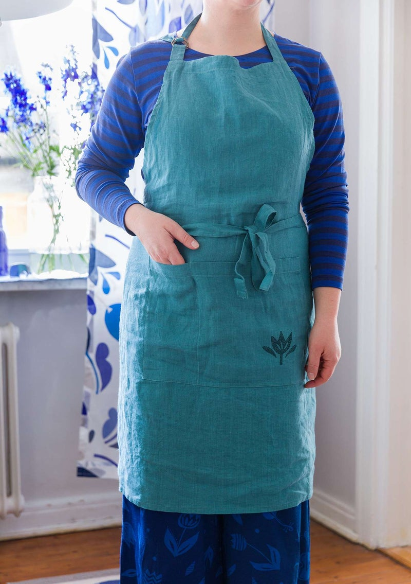 Washed linen apron verona green