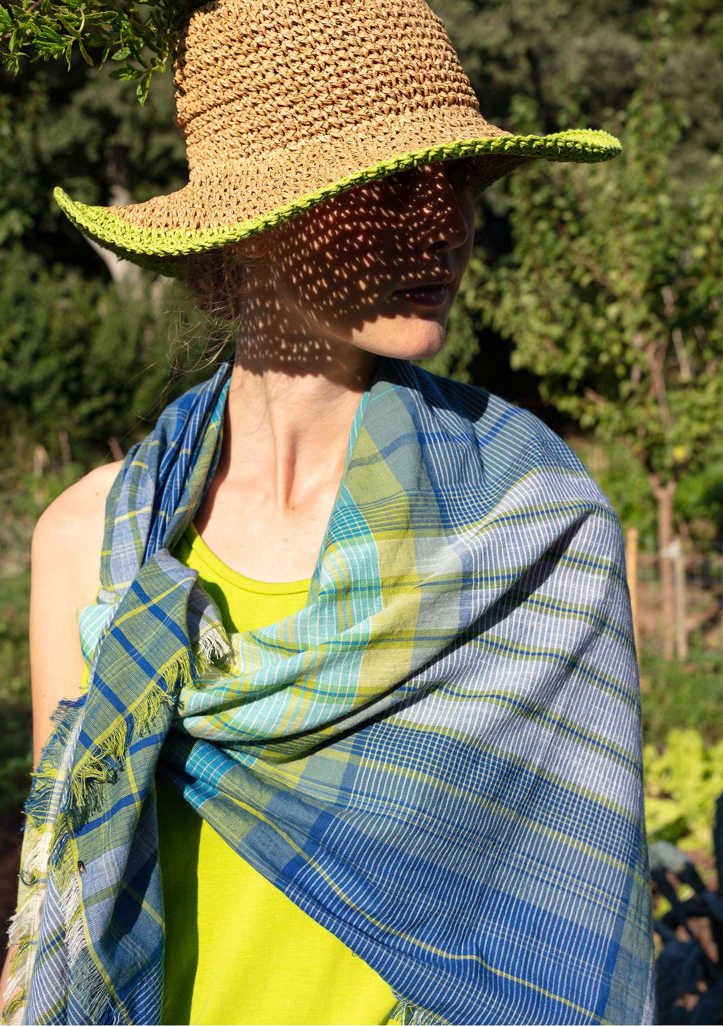 """Sahara"" shawl in eco-cotton tea tree"