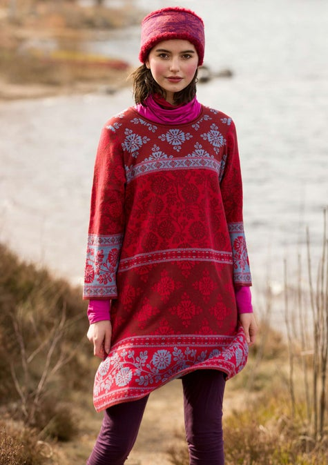 Lace tunic in a soft knit fabric agate red