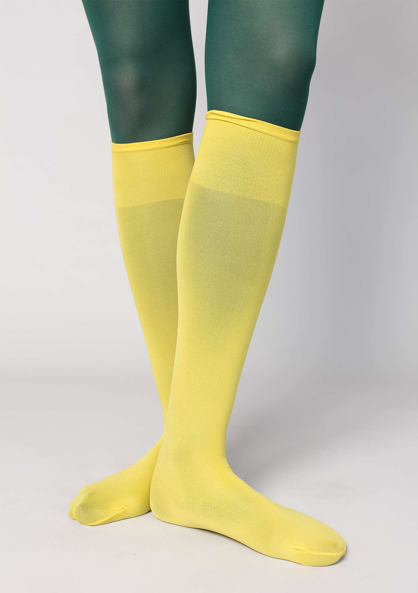 Knee-highs in recycled nylon dijon
