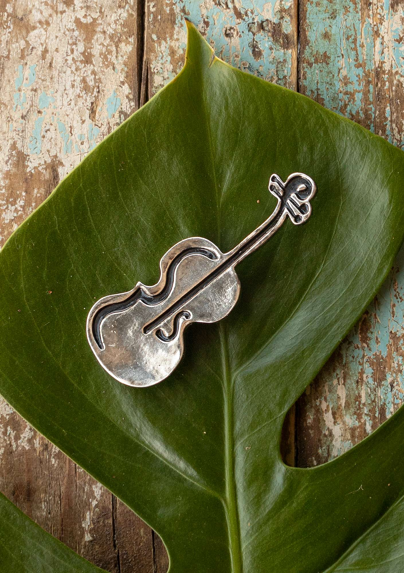 Broche Violin grey