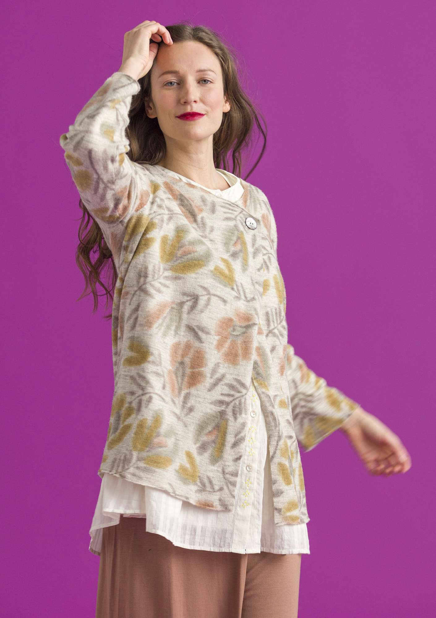 "Felted wool ""Disa"" cardigan with printed design putty"
