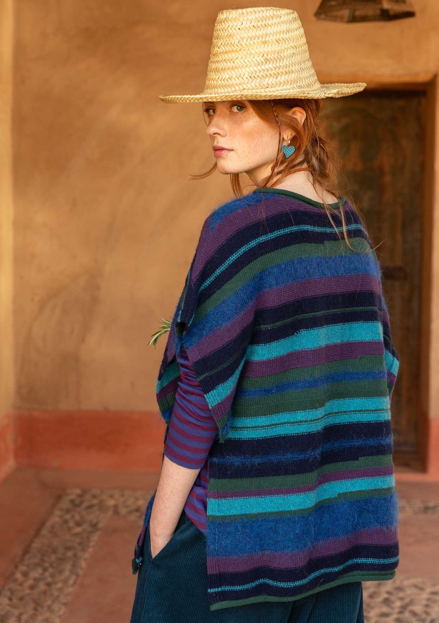 """Field"" poncho/sweater in recycled yarns indigo"