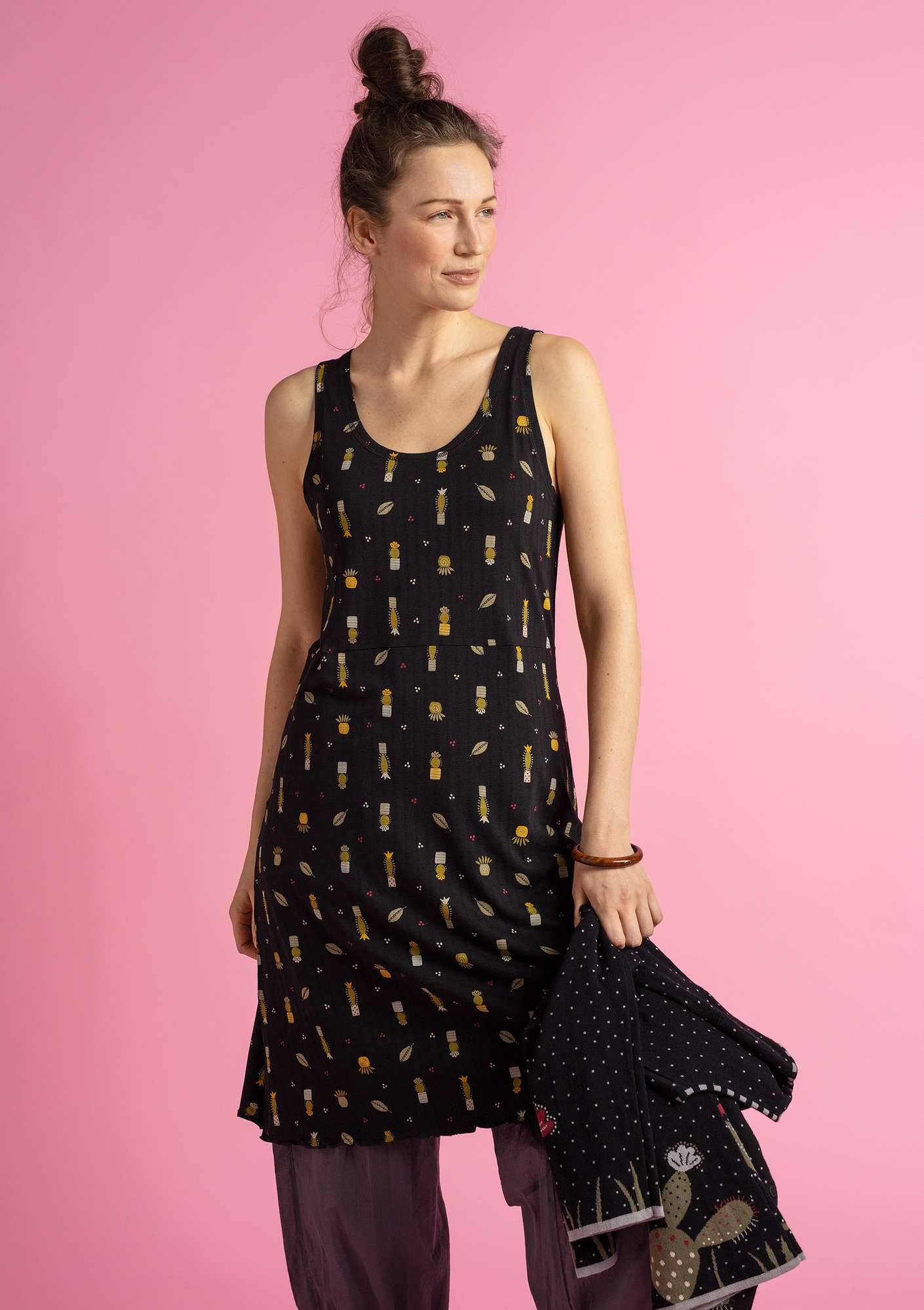 """Suckulent"" dress in micromodal/spandex black/patterned"