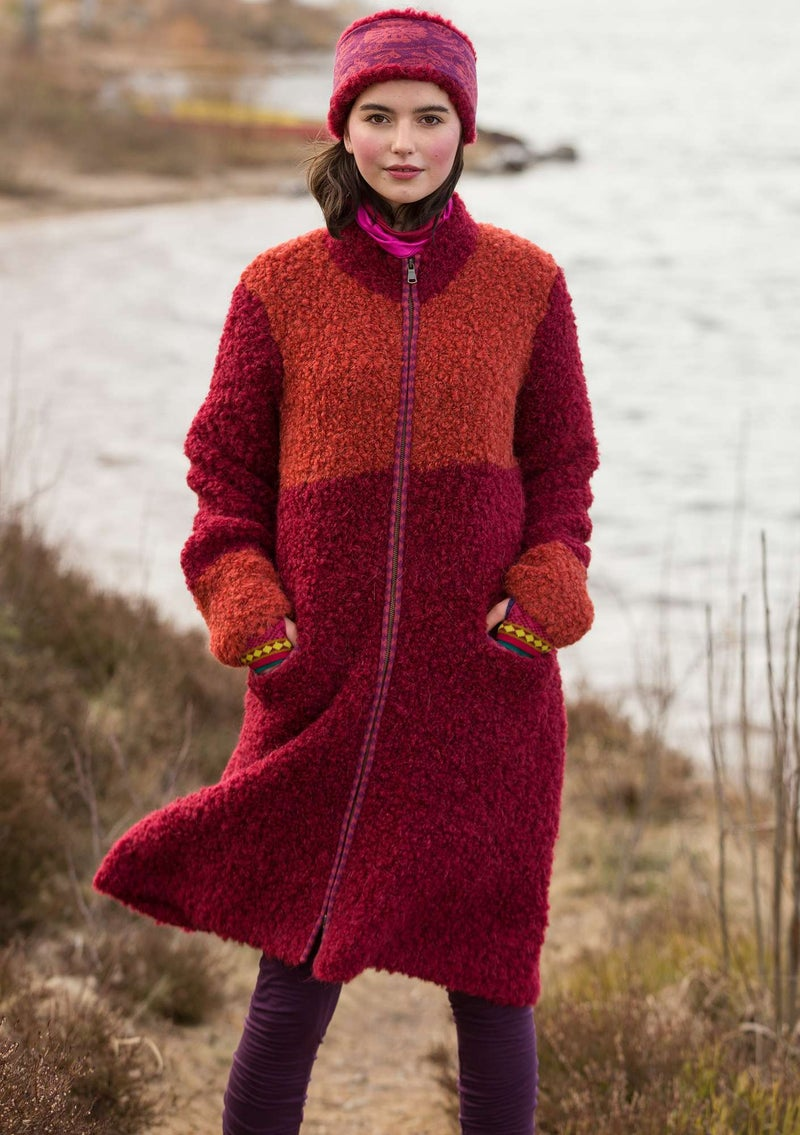 Knitted bouclé coat in a wool blend agate red