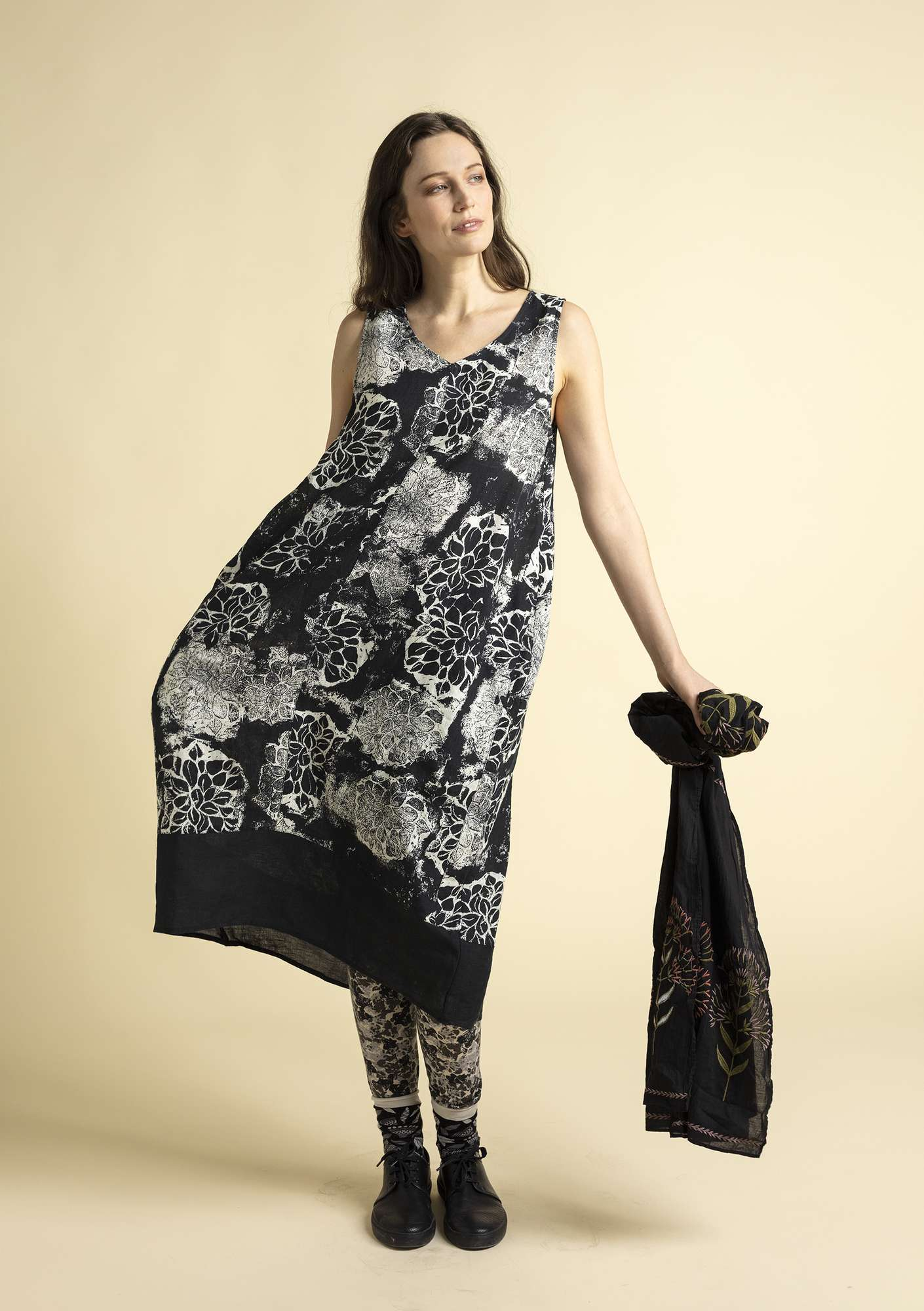 """Claudia"" linen dress black"