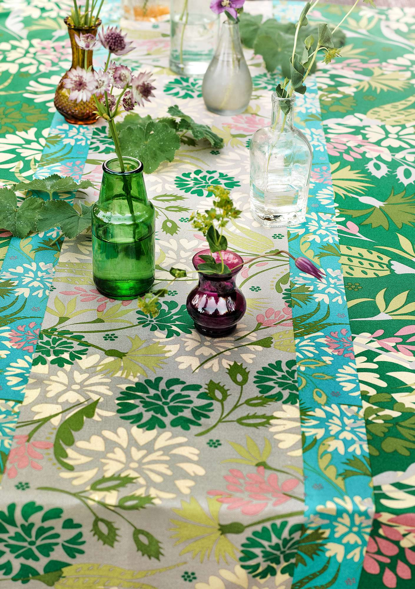 """Fiesta"" tablecloth in eco-cotton basil"