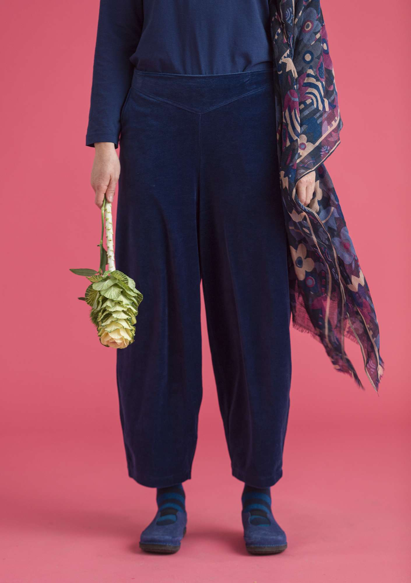 Velour trousers in organic cotton/polyester midnight blue