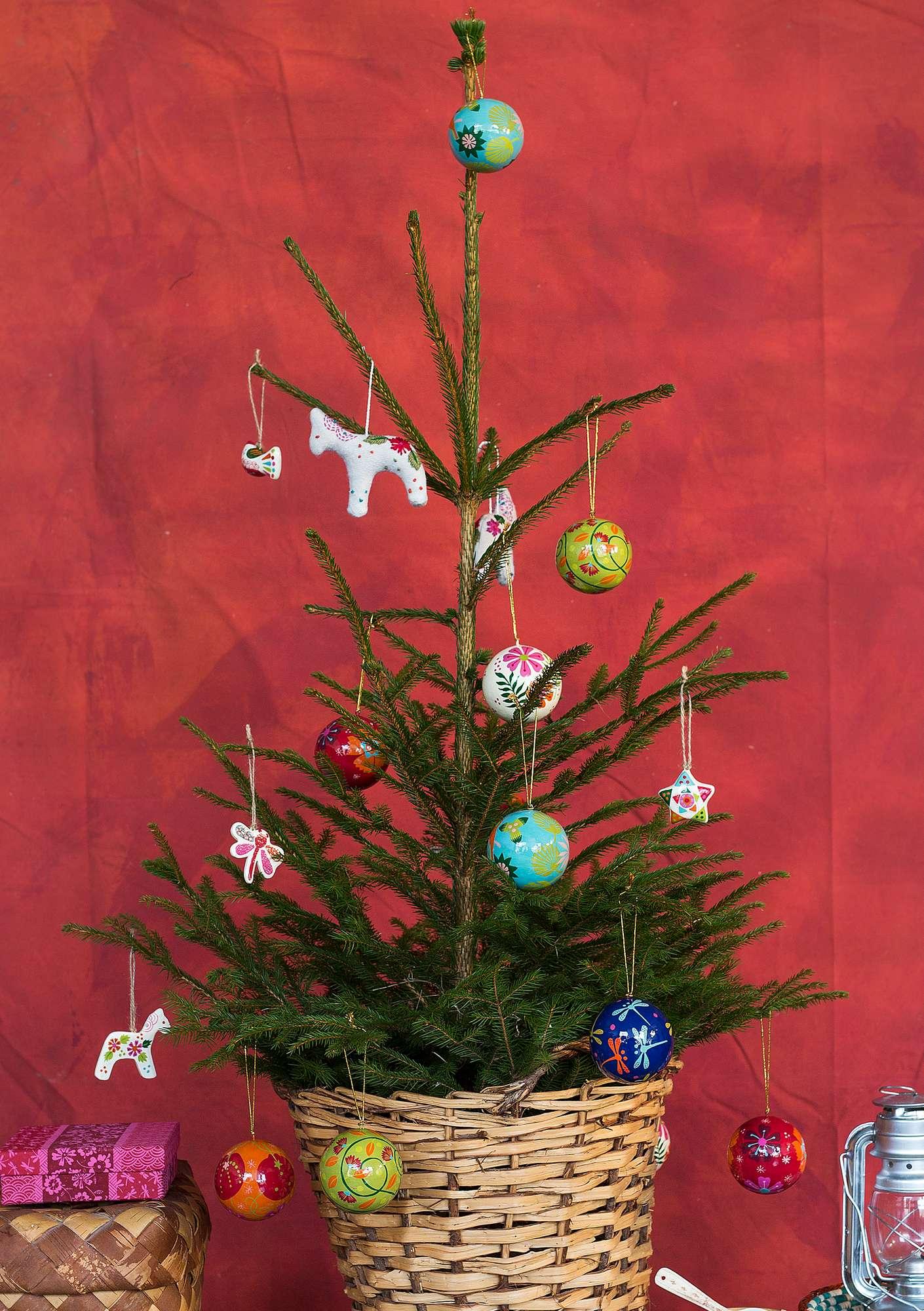 Weihnachtsdeko Neuheiten.Weihnachtsdeko Aus Papiermaschee Balsaholz Gudrun Sjödén