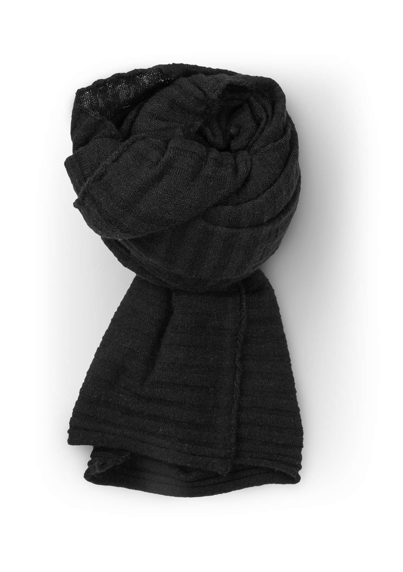 Pleated scarf in recycled cashmere blend yarn black