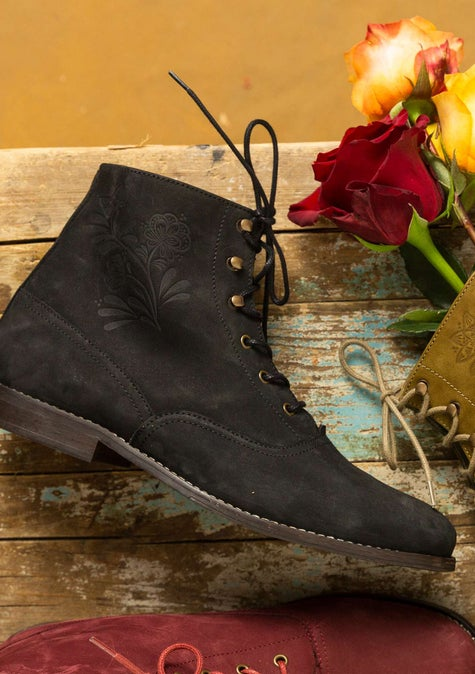"""Petrovska"" grandmother's boots black"