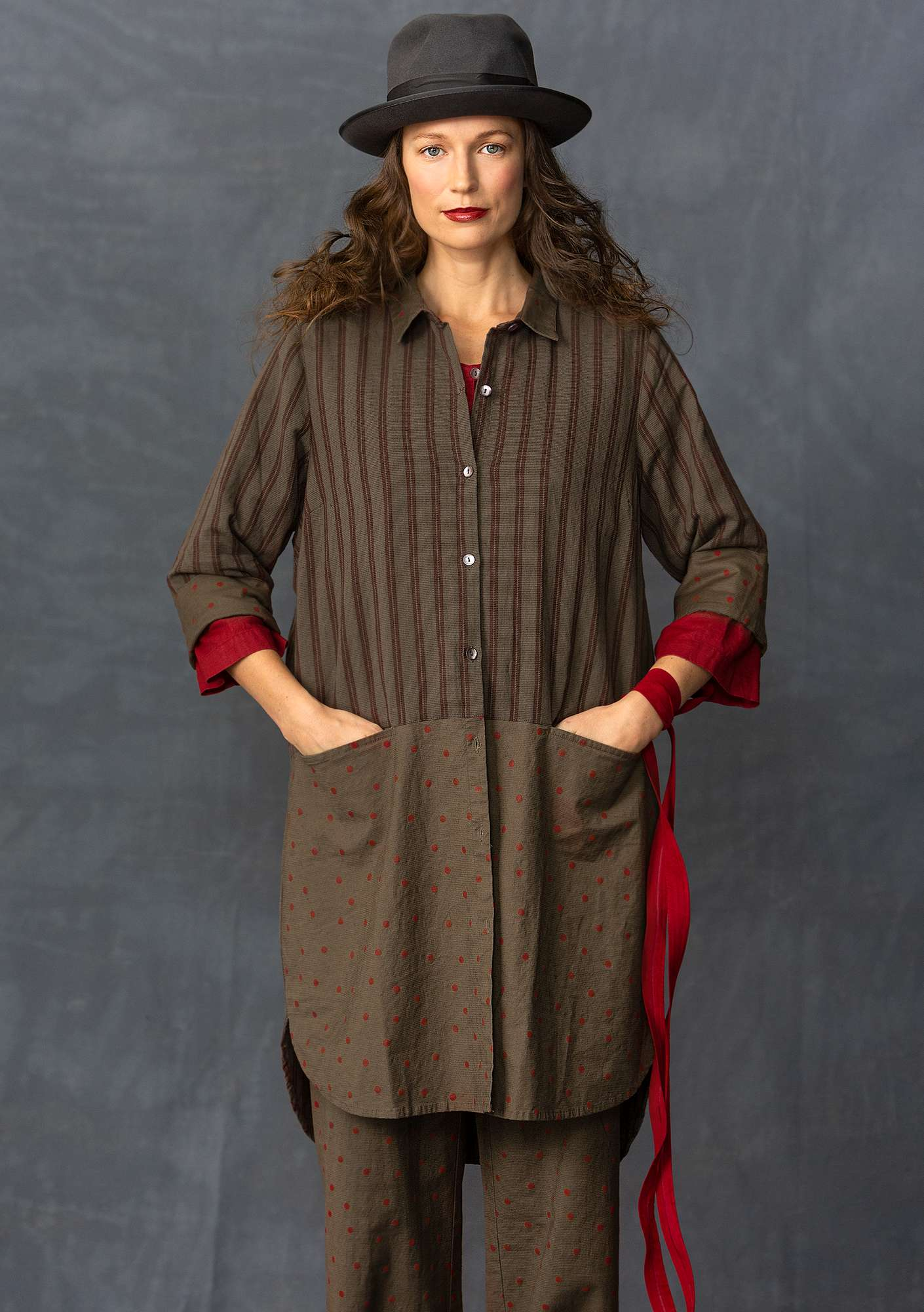 Long shirt in a cotton/linen blend clay