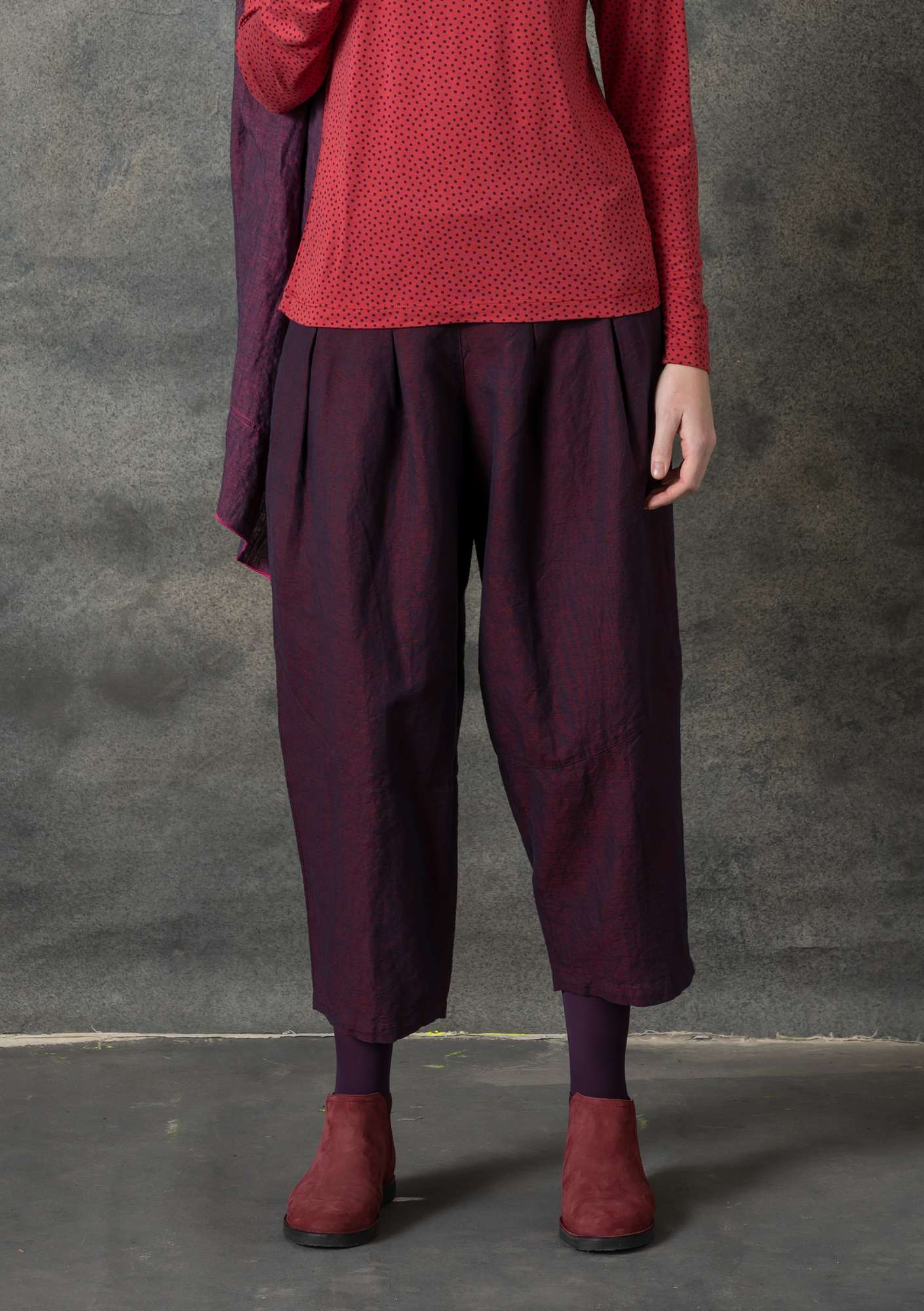 Trousers in cotton/linen chambrey aubergine