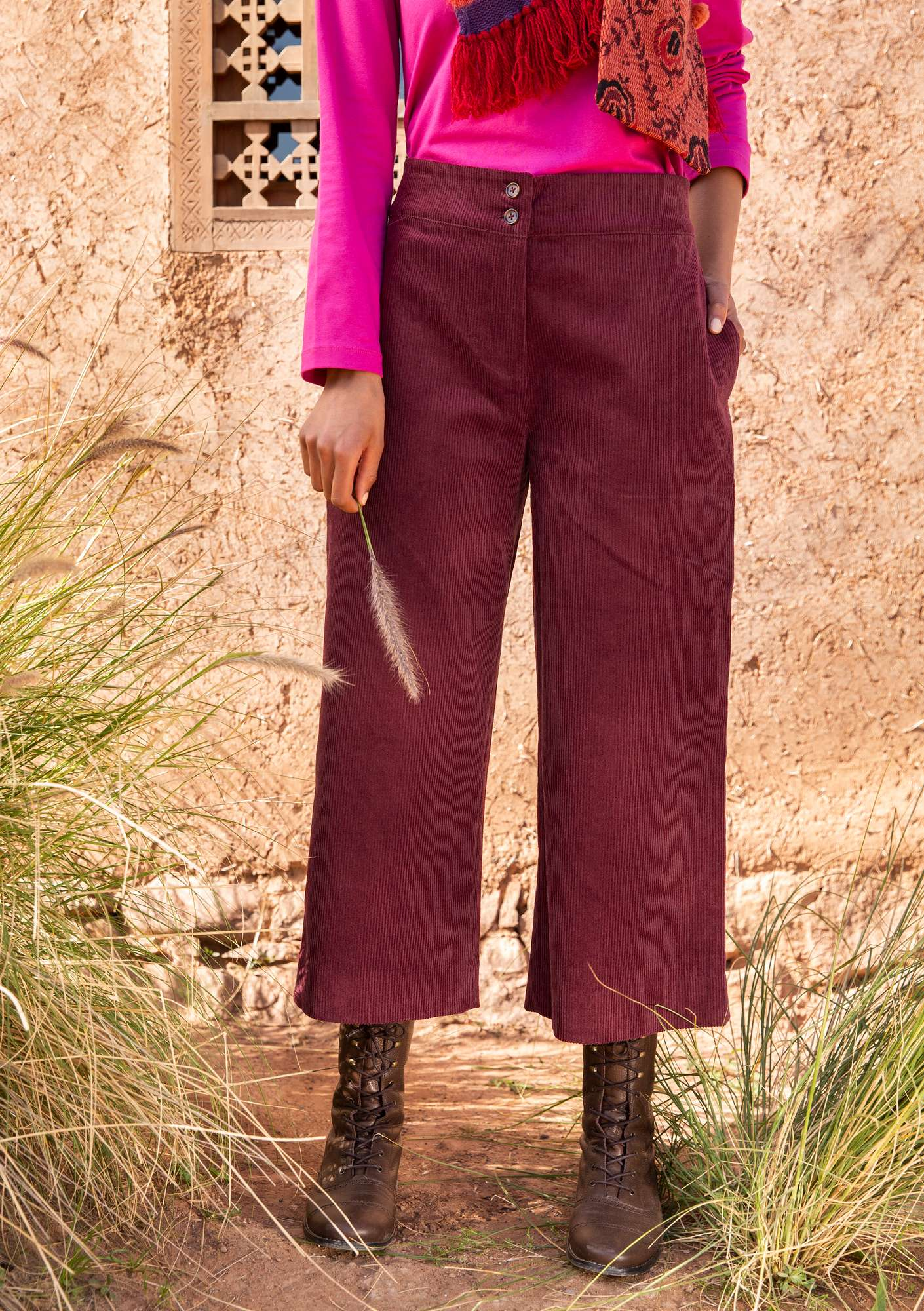 Corduroy trousers burgundy
