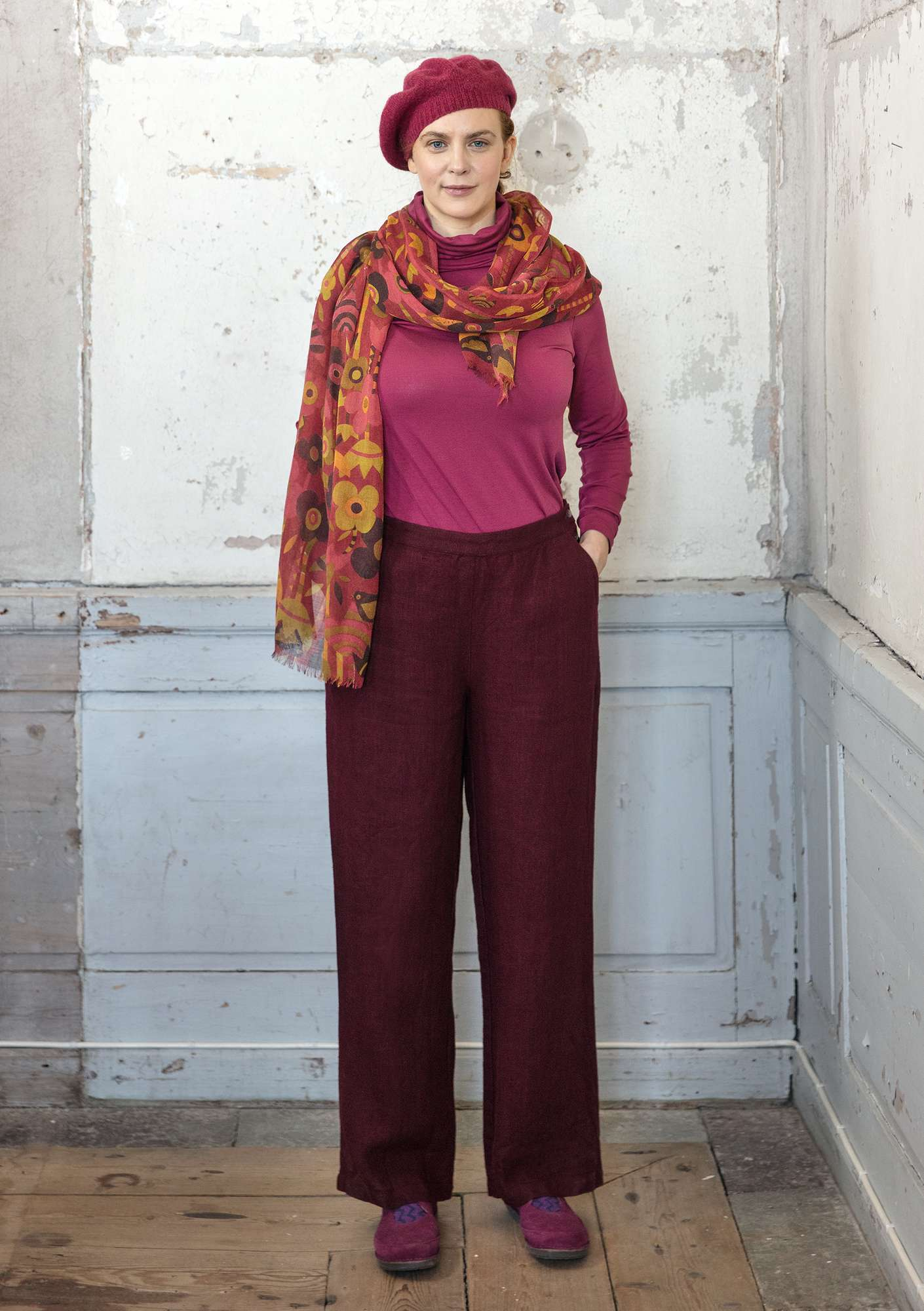 Solid-colour trousers aubergine