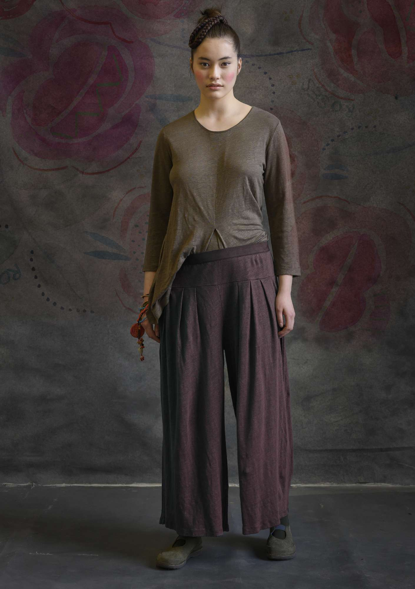 Linen trousers dark aubergine