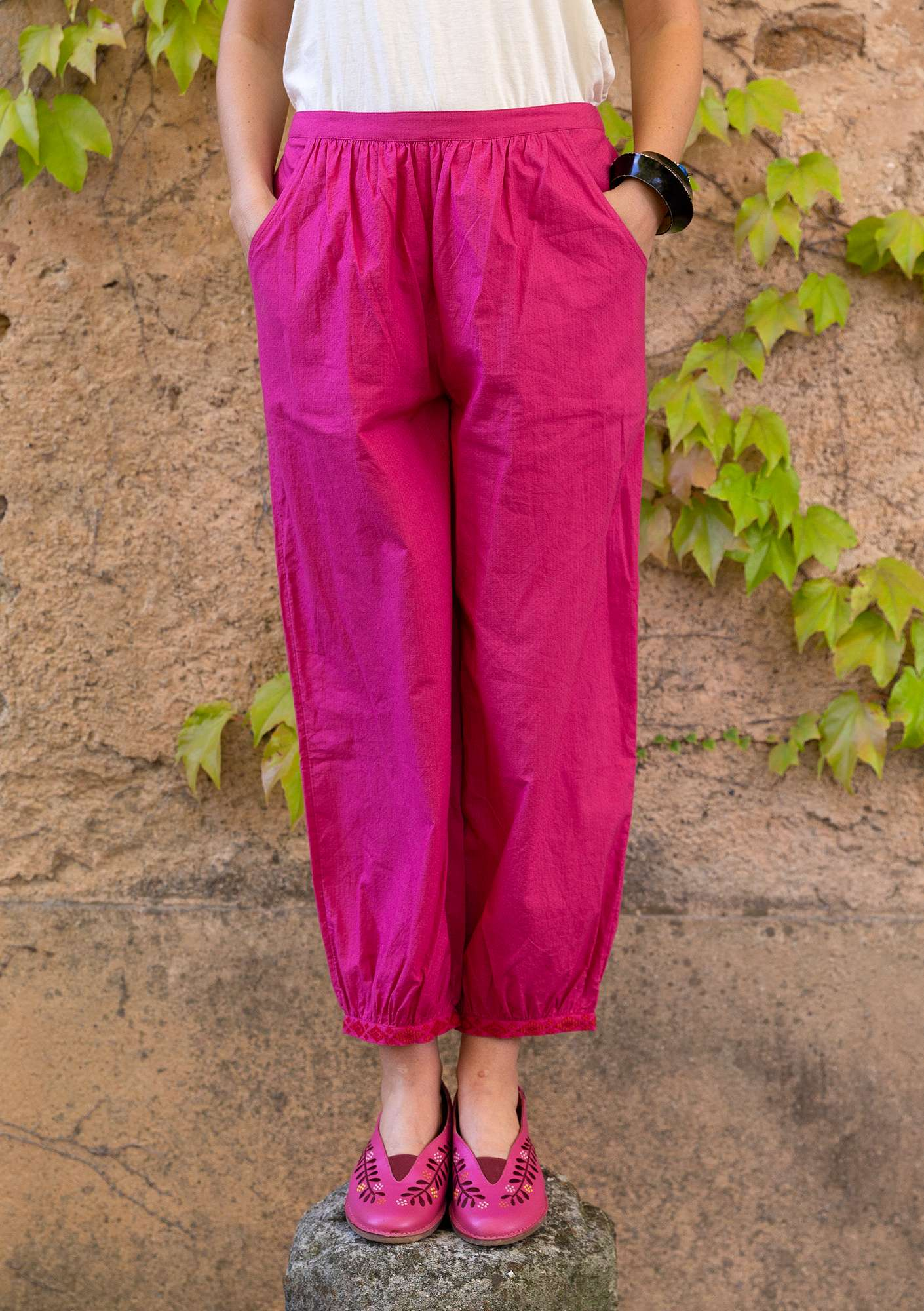 Mimi Pants | Organic Cotton Statement Pants hibiscus