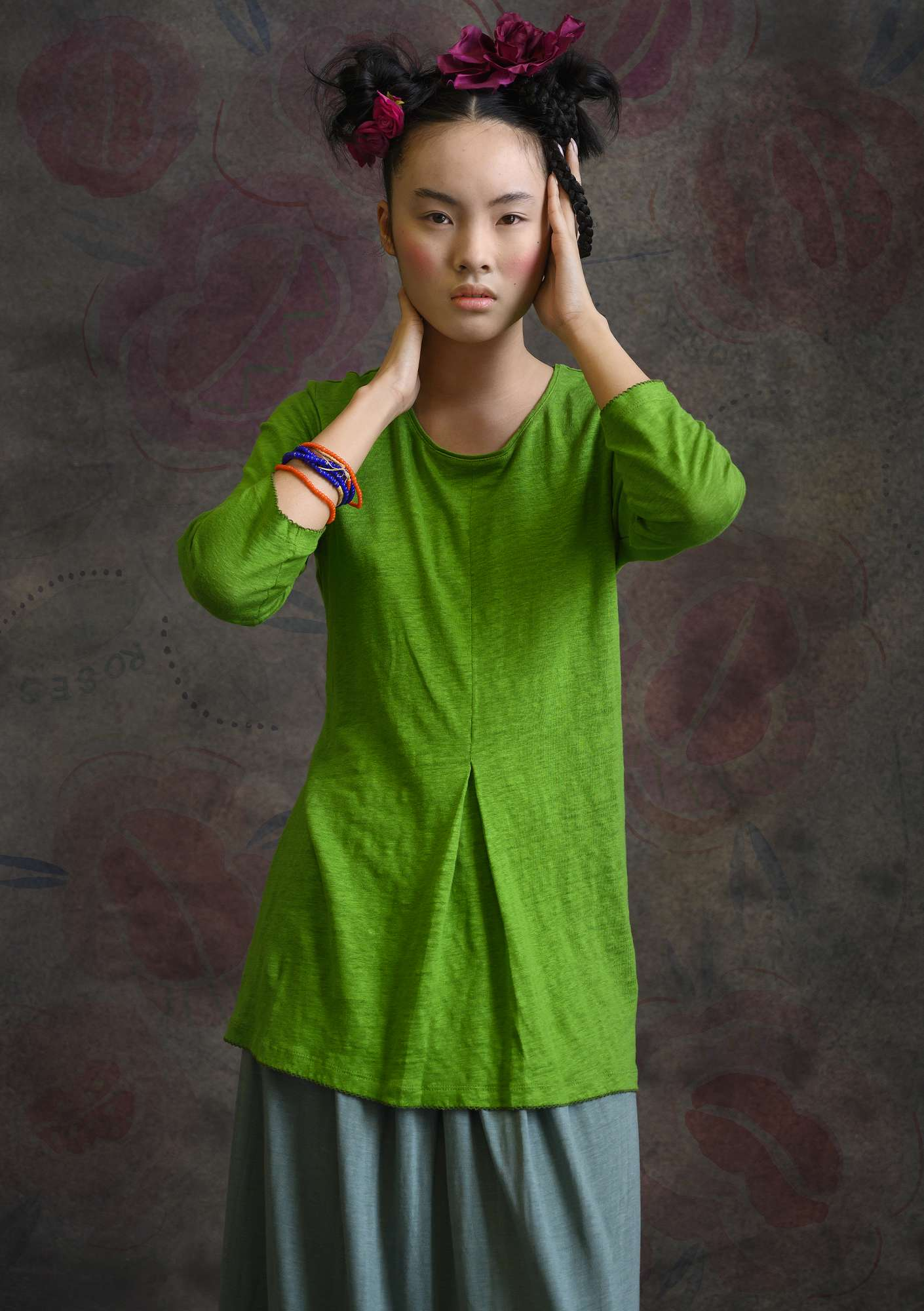 Linen tunic pea green