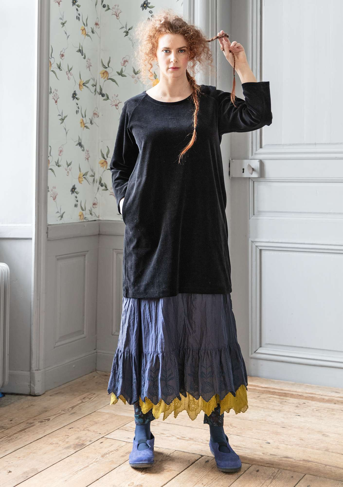 """Vurma"" velour tunic in organic cotton/polyester black"