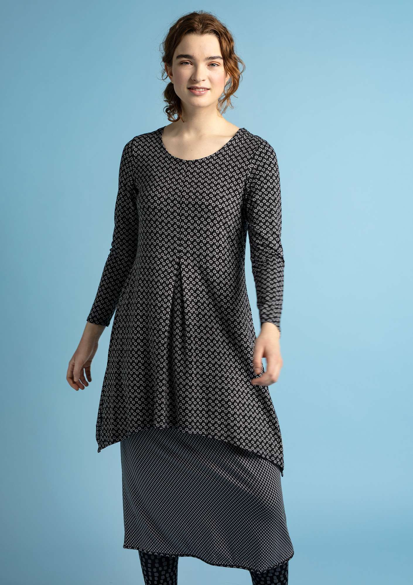 """Myrten"" tunic in lyocell/elastane black"