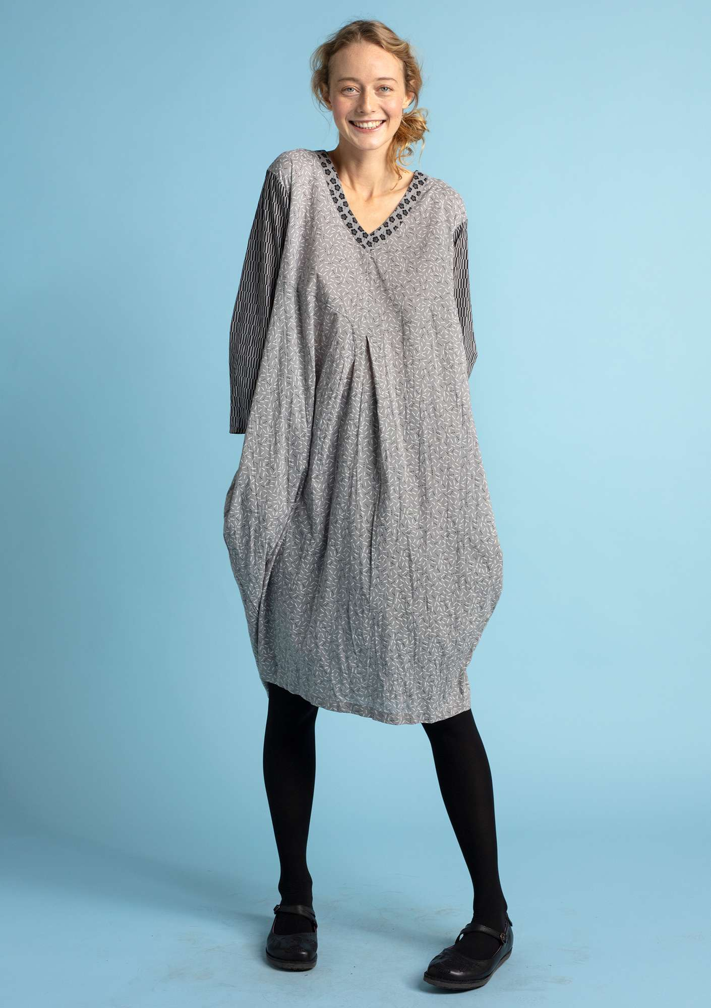 """Pinje"" dress in eco-cotton gray"