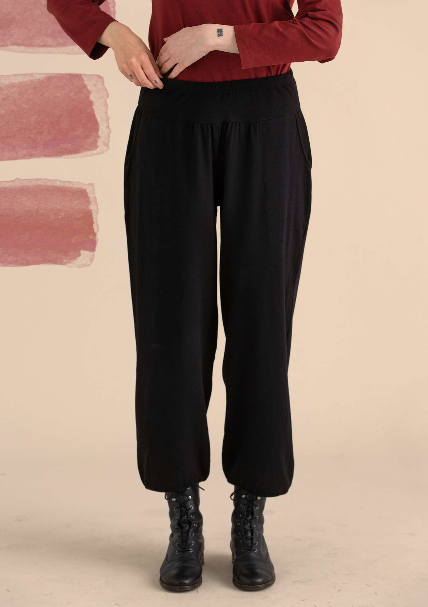 Trousers in organic cotton/elastane black