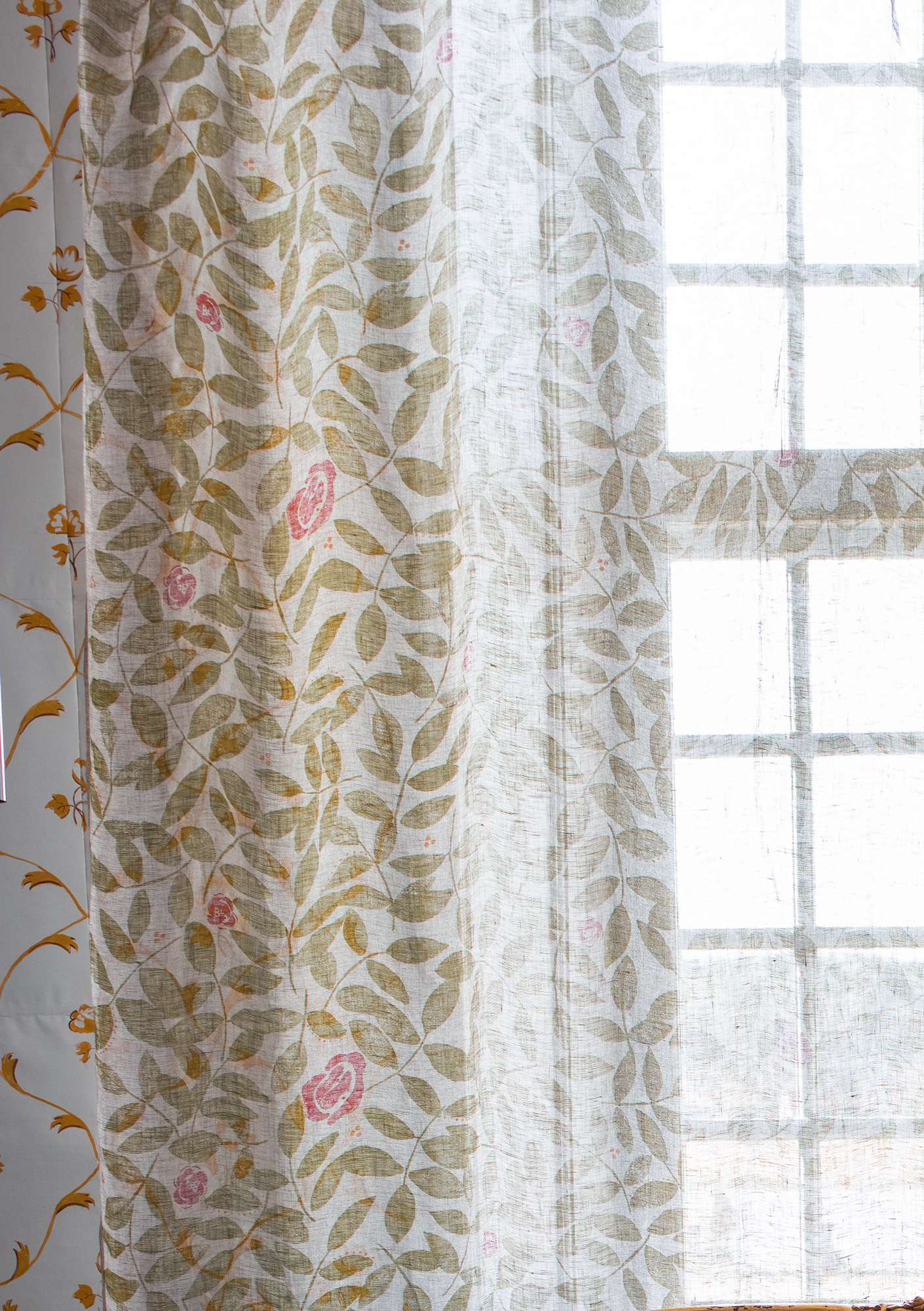 """Roses"" linen curtain avocado"