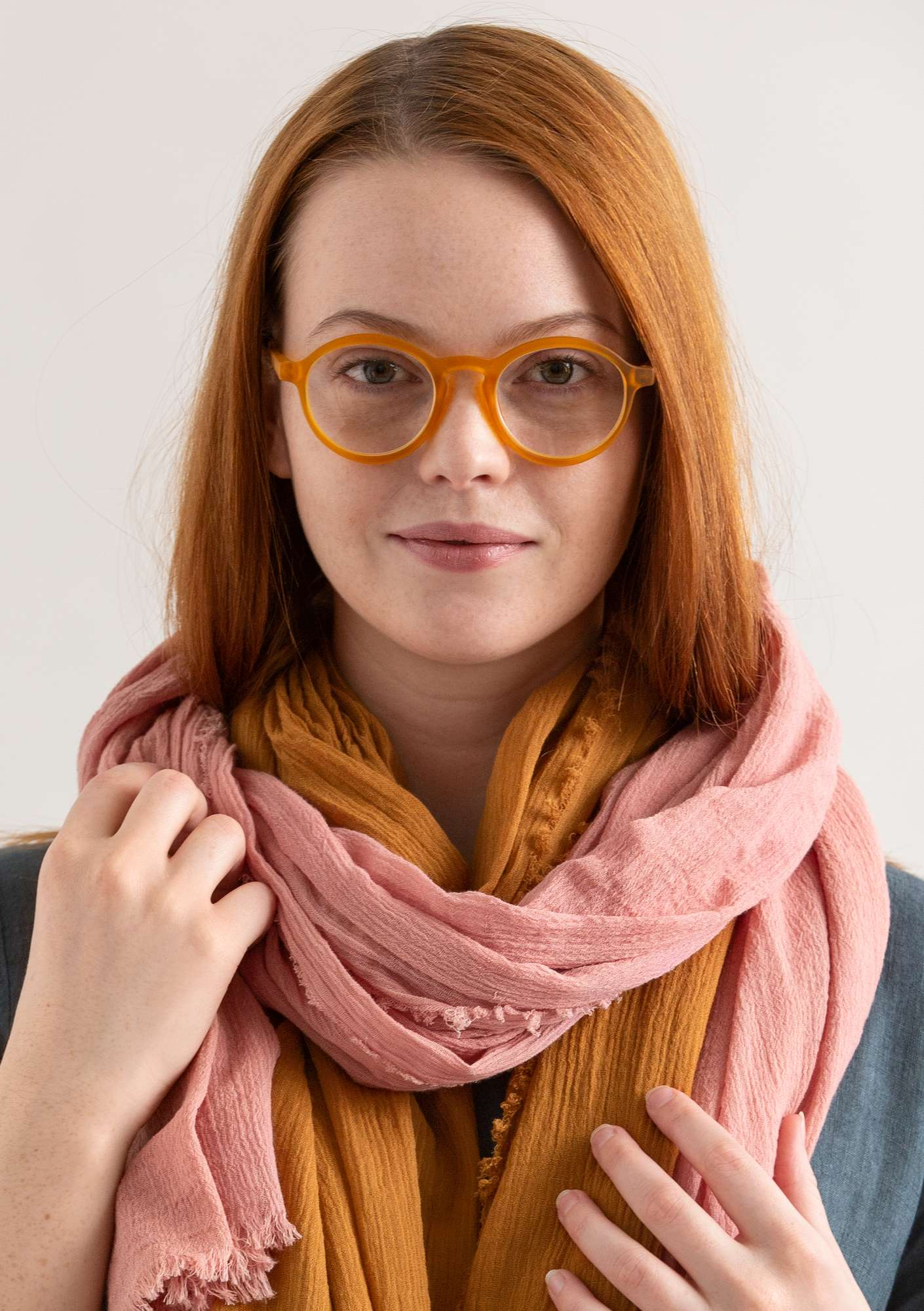 """Gudrun"" reading glasses gold ocher"