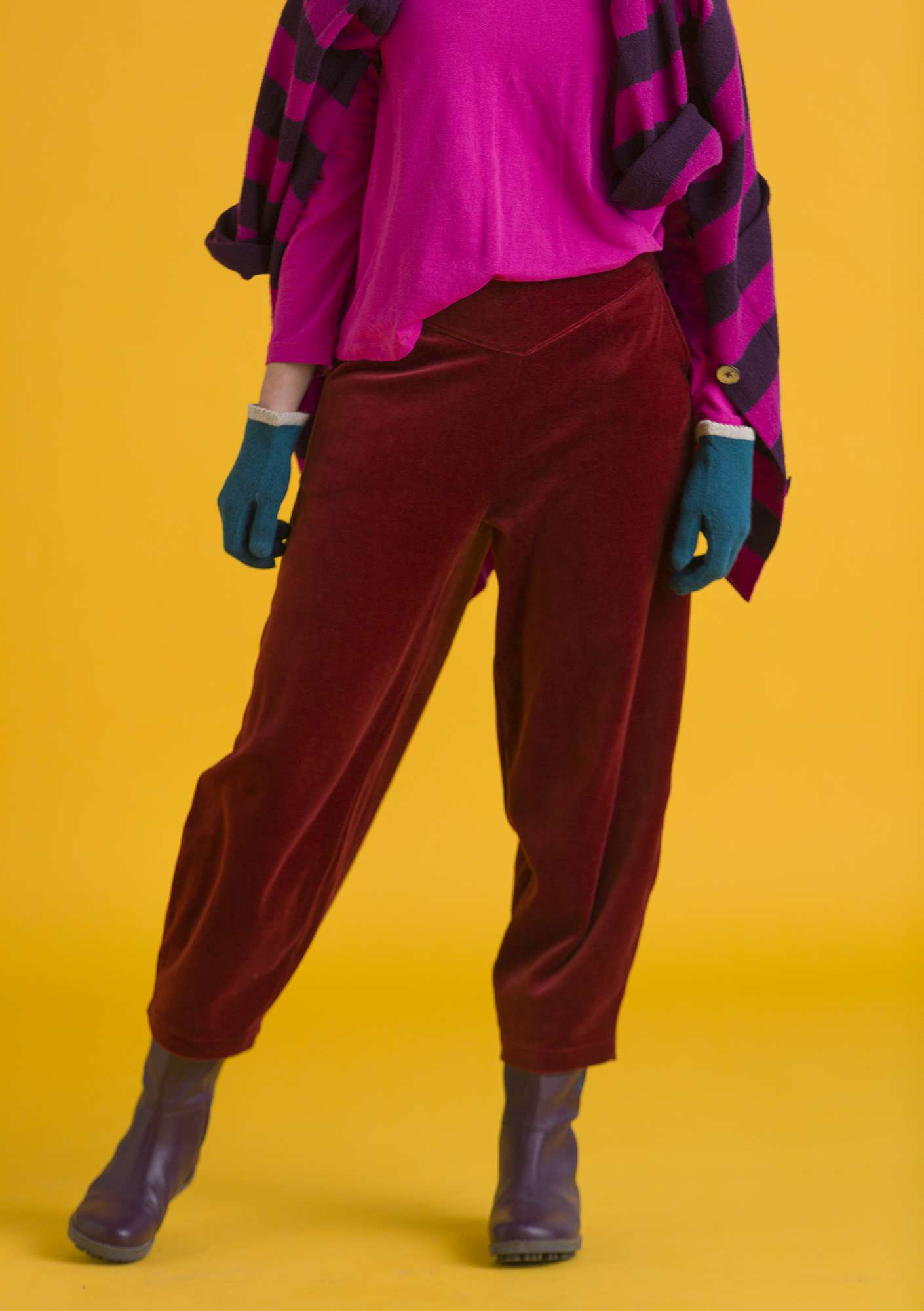 Velour pants in organic cotton/polyester agate red