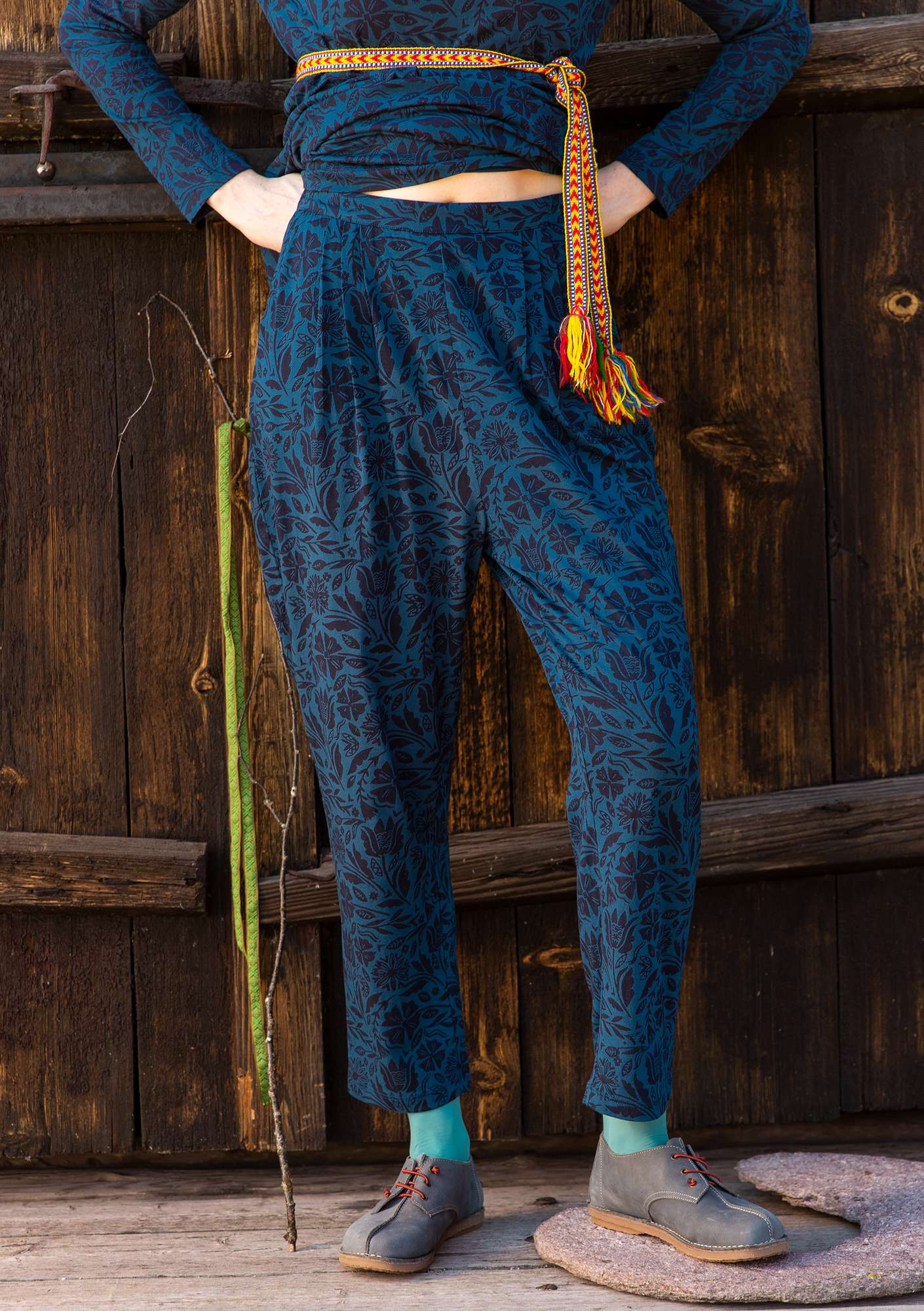 Amber trousers indigo blue